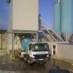 L'entreprise Béton Theron à Martiel : chargement du camion malaxeur